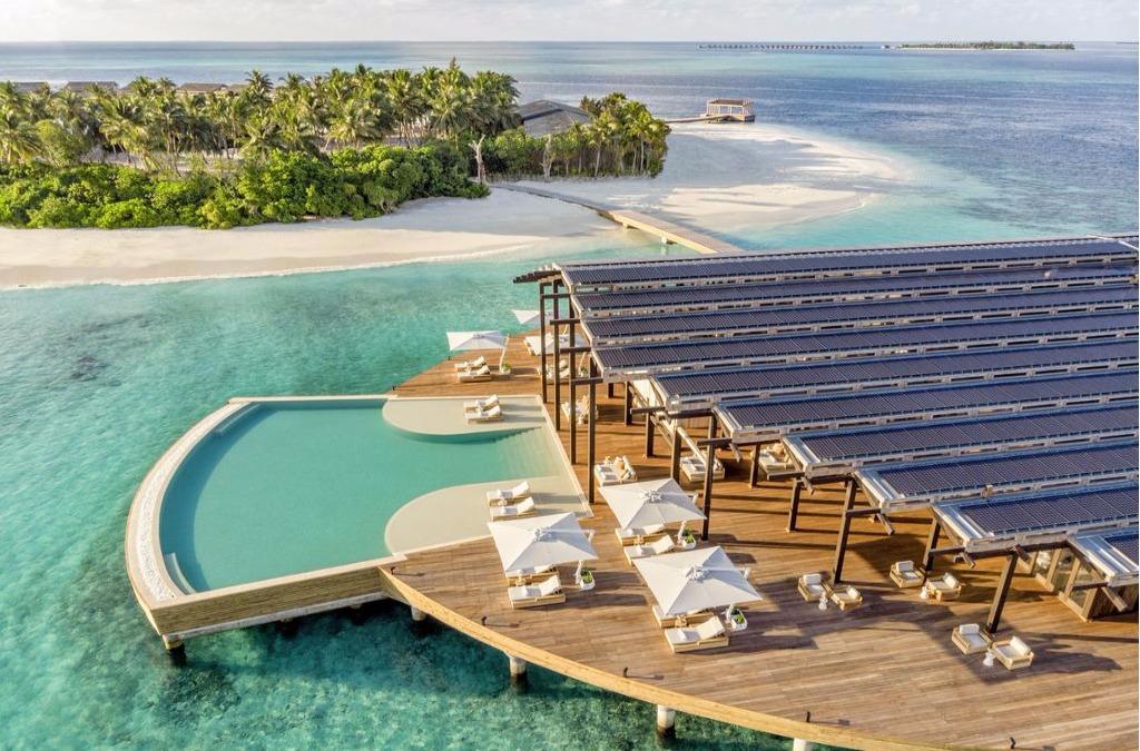 Kudadoo Maldives Private Island by Hurawalhi