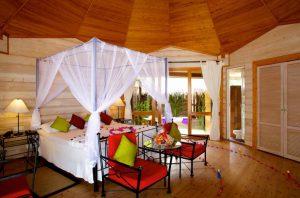 Jacuzzi Beach Villa - Kuredu Island Resort