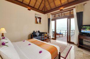 Sunset Jacuzzi Water Villa - Olhuveli Beach & Spa
