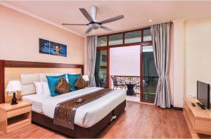 Deluxe Double with Pool View - Trtiton Beach Hotel, Maafushi