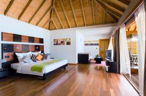 Jacuzzi Beach Villa - Veligandu Island Resort & Spa