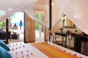 Jacuzzi Beach Villa - Vilamendhoo Island Resort